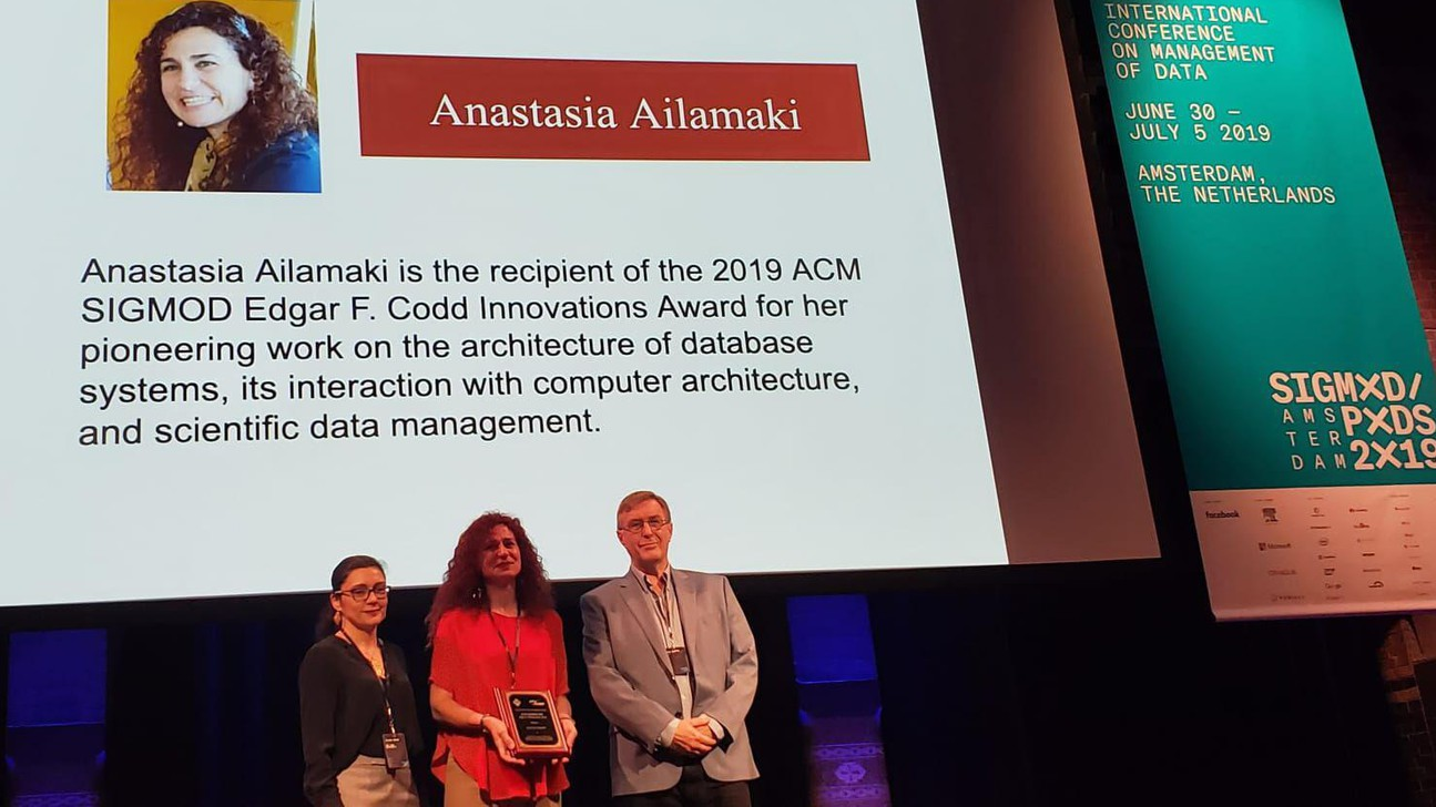 Prof. Ailamaki receives her award at the annual ACM SIGMOD conference in Amsterdam. © Anastasia Ailamaki